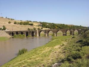 diyarbakir, varcare una frontiera che non c'è